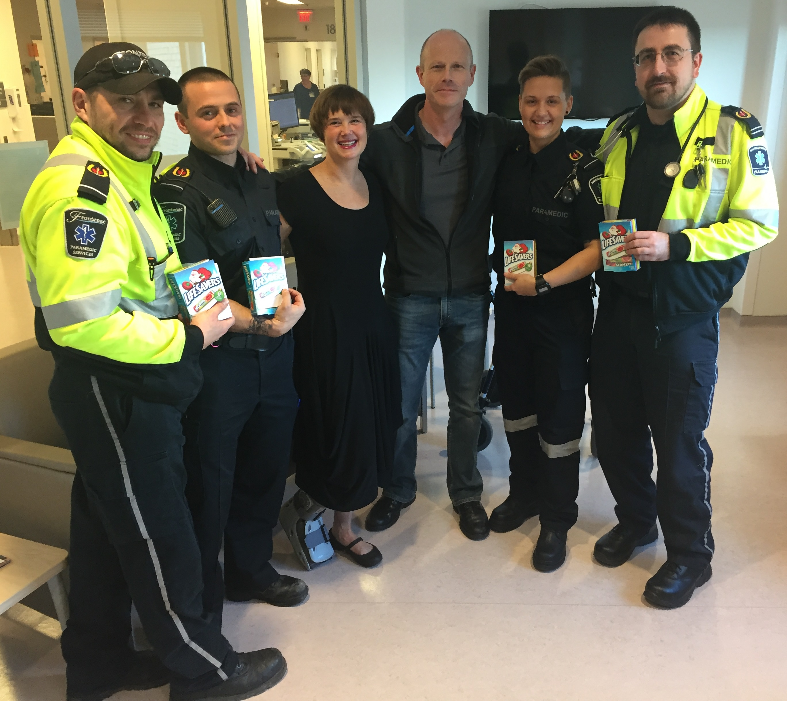 Four weeks after paramedics brought her back to life, Constance meets the men and woman who saved her