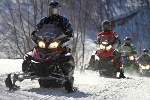 Snowmobiling in Gravenhurst