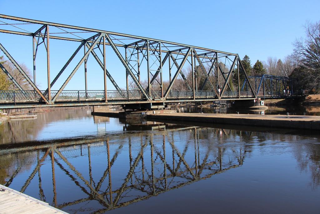hamlet bridge
